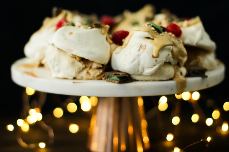 peppermint crisp pavlova wreath 076