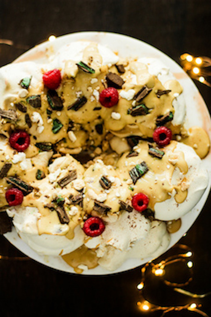 peppermint crisp pavlova wreath 077